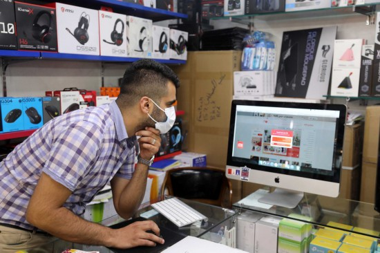 Xinhua: Iraqi youth act as online shopping agents for Chinese companies