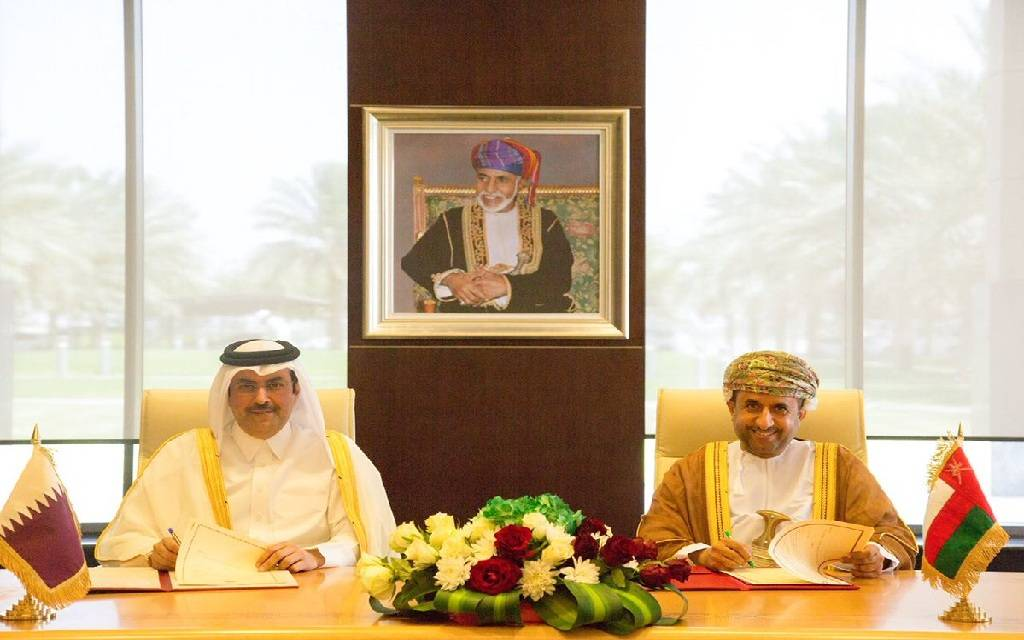 Qatar and Oman sign agreement to boost cooperation in air transport